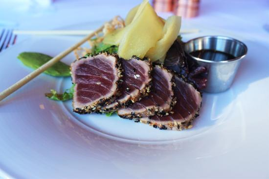 Roots Steakhouse: Seared Tuna