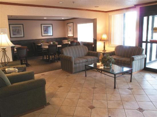 La Quinta Inn & Suites Stevens Point: Lobby