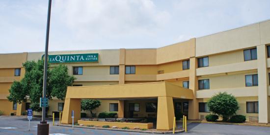 La Quinta Inn & Suites Columbia: Exterior