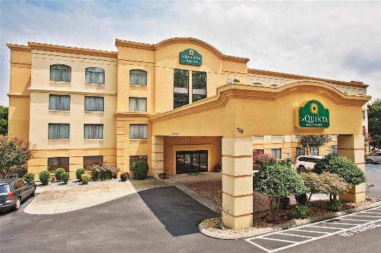 La Quinta Inn & Suites Dalton: Exterior view