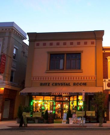 Torrington, CT: Ritz Crystal Speakeasy & Cafe & Ice Cream Parlor