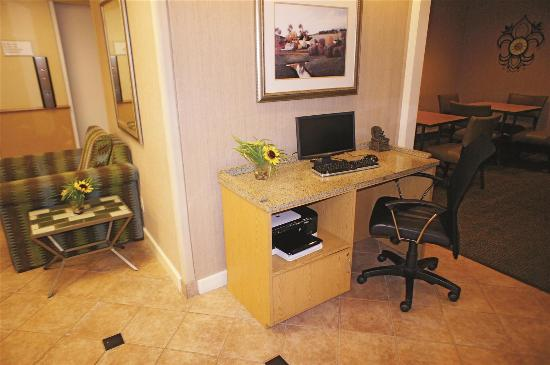La Quinta Inn & Suites Jackson: Business Center