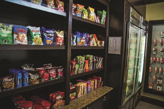 La Quinta Inn & Suites Downtown Conference Center: Pantry