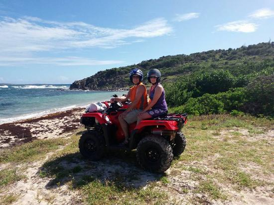 Oyster Pond, St. Maarten/St. Martin: Drive right up!