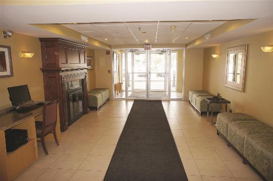 La Quinta Inn & Suites South Burlington: Lobby