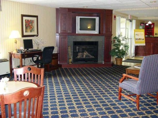 La Quinta Inn & Suites St. Albans: Lobby