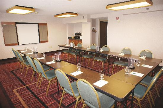 La Quinta Inn & Suites St. Albans: Meeting Room