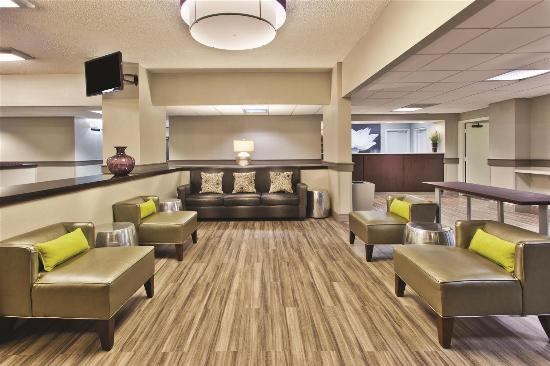 La Quinta Inn & Suites Charleston Riverview: Lobby