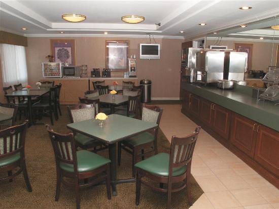 Jessup, MD: Breakfast Area