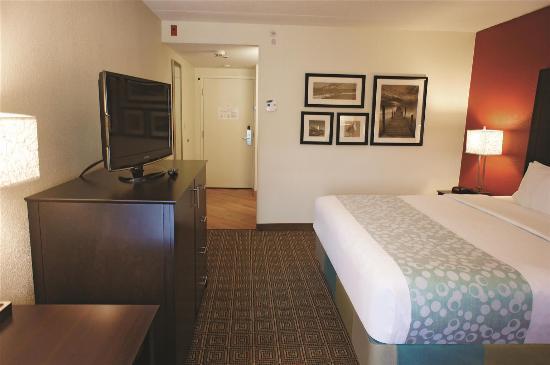 La Quinta Inn & Suites Portland: Guest Room