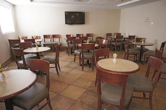 New Britain, CT: Restaurant
