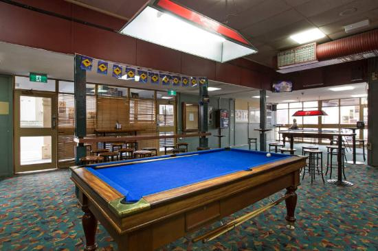 Fairfield Heights, Australia: Have a game of pool at the Brown Jug