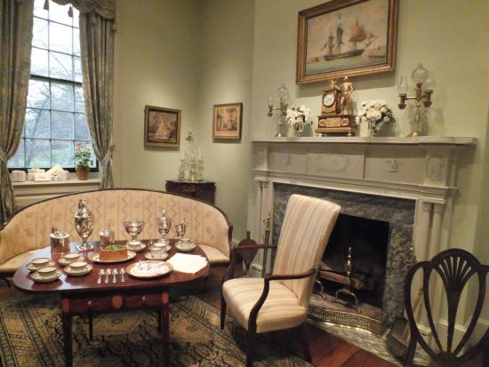 Winterthur, DE: small drawing room
