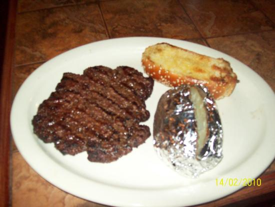 Hillbilly's Barbeque & Steaks: Yummy