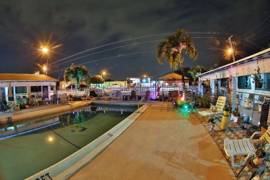Adobe Hacienda Motel: Night Time Fun :)