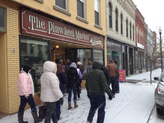 Penn Yan, Nova York: Milly's Pantry entrance March 2015