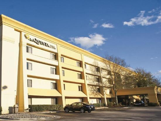 Photo of La Quinta Inn & Suites Raleigh Durham Airport S Morrisville
