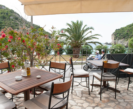 Apollon hotel updated 2017 reviews price comparison for Apollon greek and european cuisine