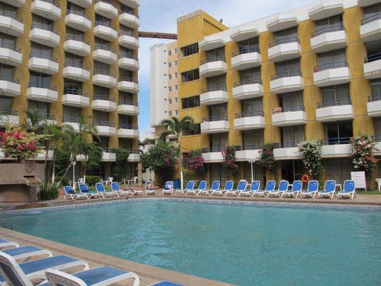 Margarita Dynasty Hotel & Suites : Piscina Central