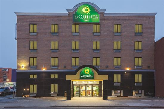 La Quinta Inn Queens New York City: Exterior view
