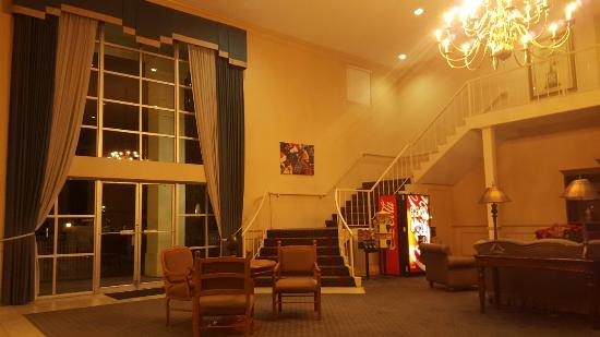Motel 6 Ocala Conference Center : Unlike other facilities,  this Motel 6 has a very nice lobby.