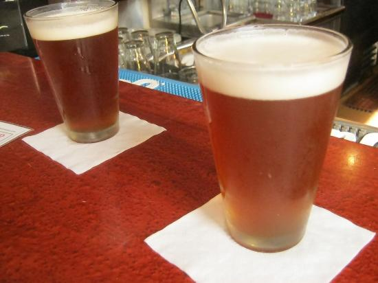Old Harbor Brewery : Pints of craft beer