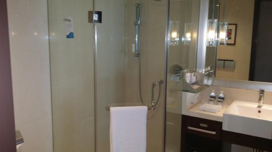 Radisson Blu Hotel Shanghai Hong Quan: Bathroom