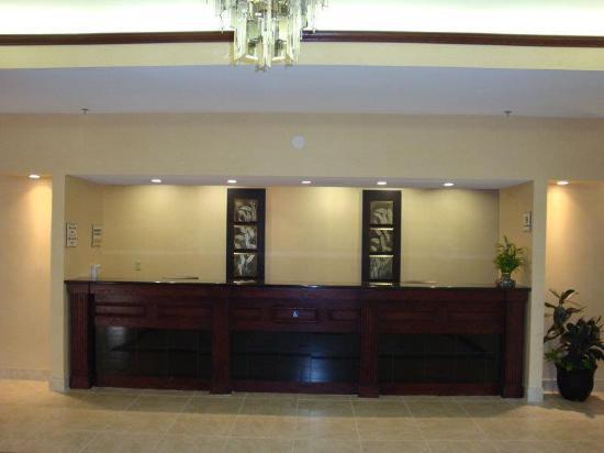 La Quinta Inn & Suites Oklahoma City -Yukon: Lobby view