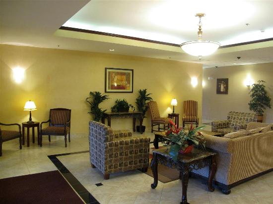 La Quinta Inn & Suites Oklahoma City -Yukon : Lobby view