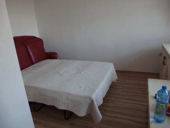 Hotel Gurko: 小部屋のソファベッド