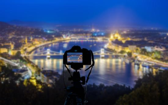 Photo Tours in Hungary by Miklós Mayer: Taking photo of gorgeous nightscape of Budapest from Citadella