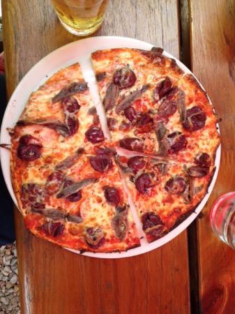 Chatters Bistro: Gluten-free Napolitana pizza