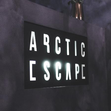 ‪Arctic Escape‬