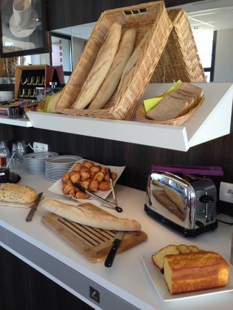 Inter-Hotel Novella Nantes Carquefou : Buffet Petit Déjeuner