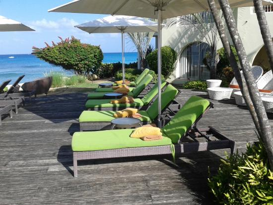 Tamarind by Elegant Hotels: Always loads of sun loungers available