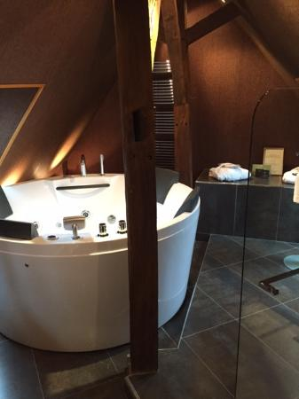 Fere-en-Tardenois, Frankrike: Salle de bains