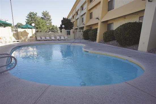 La Quinta Inn & Suites Albuquerque Journal Ctr NW: Pool