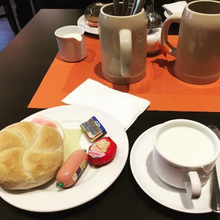 Andi Stadthotel München: cafe da manha