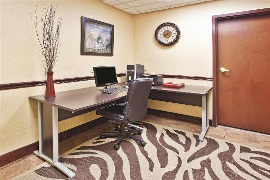 La Quinta Inn & Suites Knoxville Strawberry Plains: Business Center