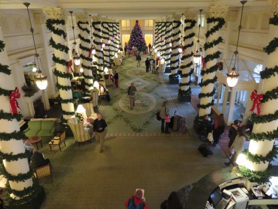 Hot Springs, VA: View of Lobby from 2nd floor overlook