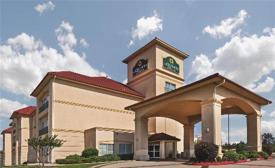 Photo of La Quinta Inn & Suites Longview North