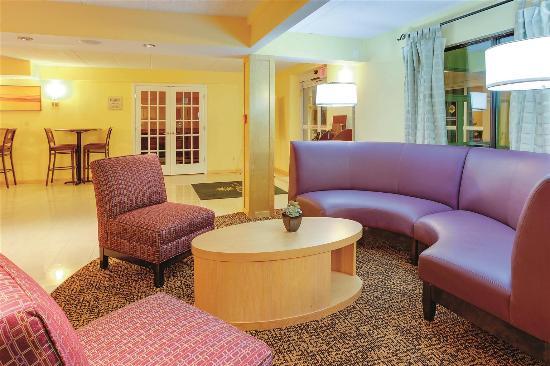 La Quinta Inn Waldorf: Lobby