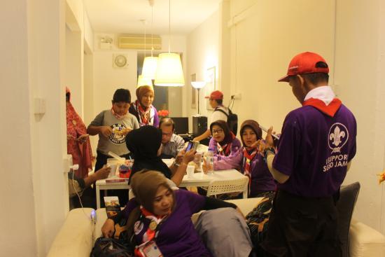 New Society Backpackers' Hotel : Ruang Tengah di Lobby