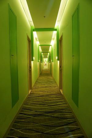 lorong hotel picture of whiz prime kelapa gading jakarta rh tripadvisor ie hotel whiz prime kelapa gading jakarta telepon hotel whiz prime kelapa gading