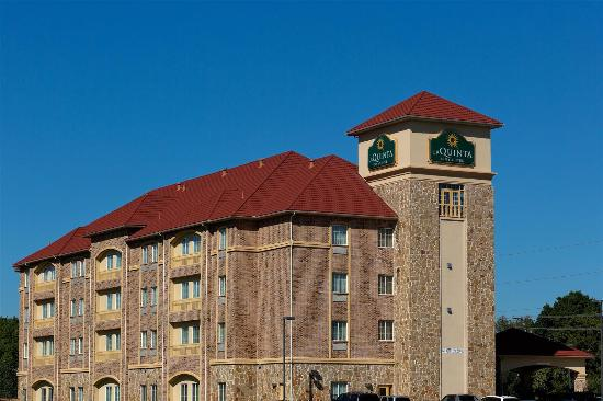 Photo of La Quinta Inn & Suites DeSoto