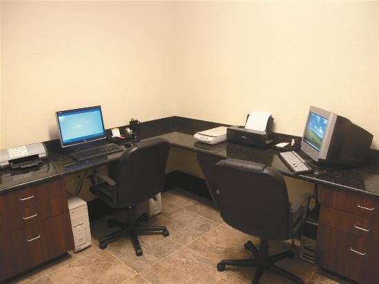 La Quinta Inn & Suites Ft. Pierce: Business center