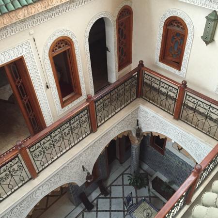 Riad Sidi Fatah : Court yard