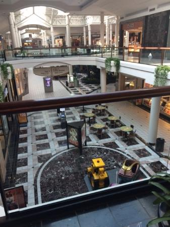Beavercreek, OH: Upper level of the Mall at Fairfield Commons