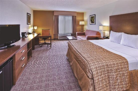 La Quinta Inn & Suites Danbury: Guest room