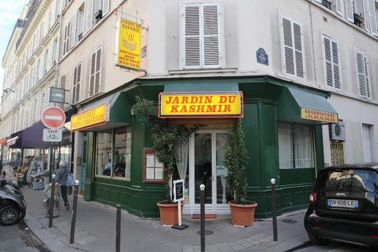 Paris restaurant jardin du kashmir d cor simple mais for Cafe du jardin london